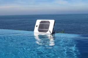 Joos Orange Solar Panel in Water
